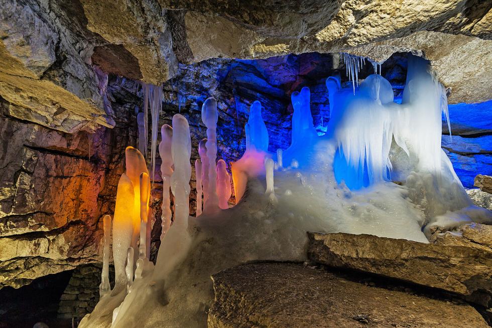 Компания «Сталагмит-Экскурс», которая является официальным представителем уникального геологического памятника в Пермском крае — Кунгурской Ледяной пещеры, прошла сертификацию по программе China Friendly .